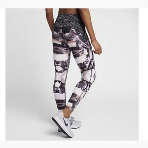 Nike Power Epic Luxe 2.0 Workout Compression Tight